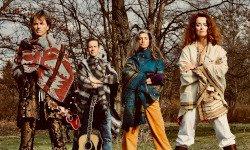 """Archivinhalt:Das Hippie Kammerorchester: """"Come together!"""""""